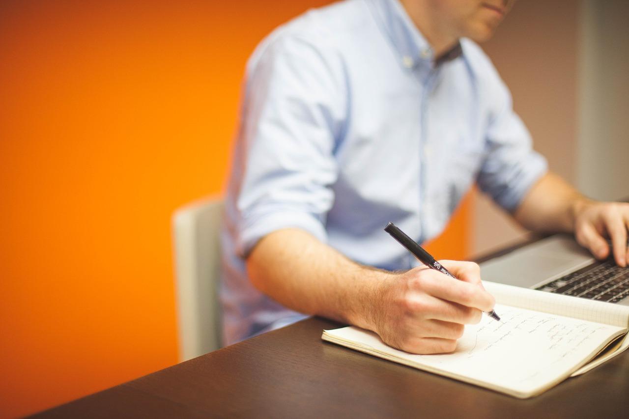 szakdolgozat felépítése, dolgozat felépítése, szakdolgozat írása, szakdolgozat írás